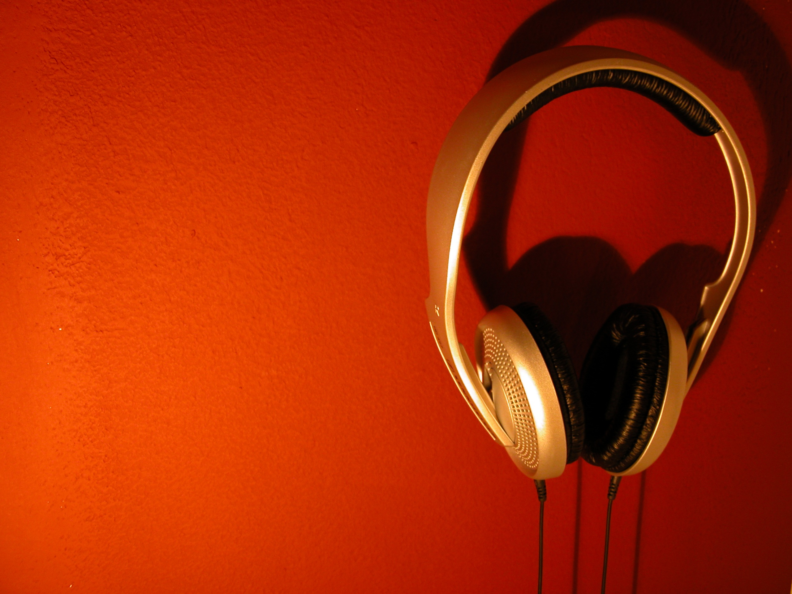 The streaming music industry by Joseph Ashford